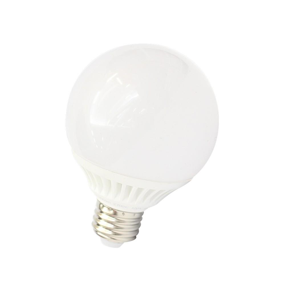 Foco led tipo  globo de 5 watts luz cálida, 120 voltios.
